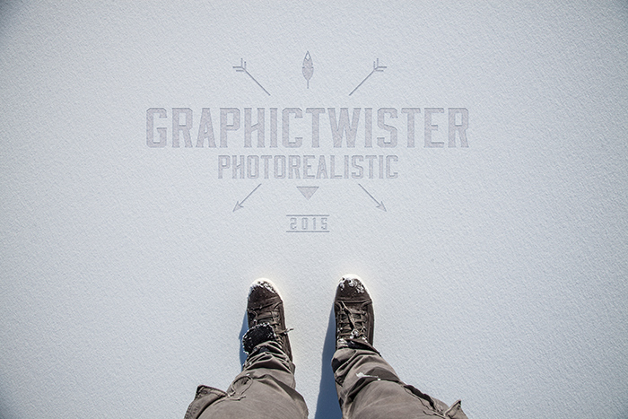 Logo-mockup-on-snow-gt